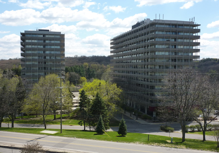 2200 Fuller Court Huron Towers Apartments